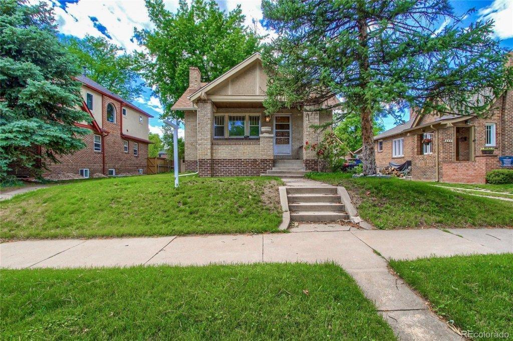 Home for sale, washington park neighborhood, small brick home with yard