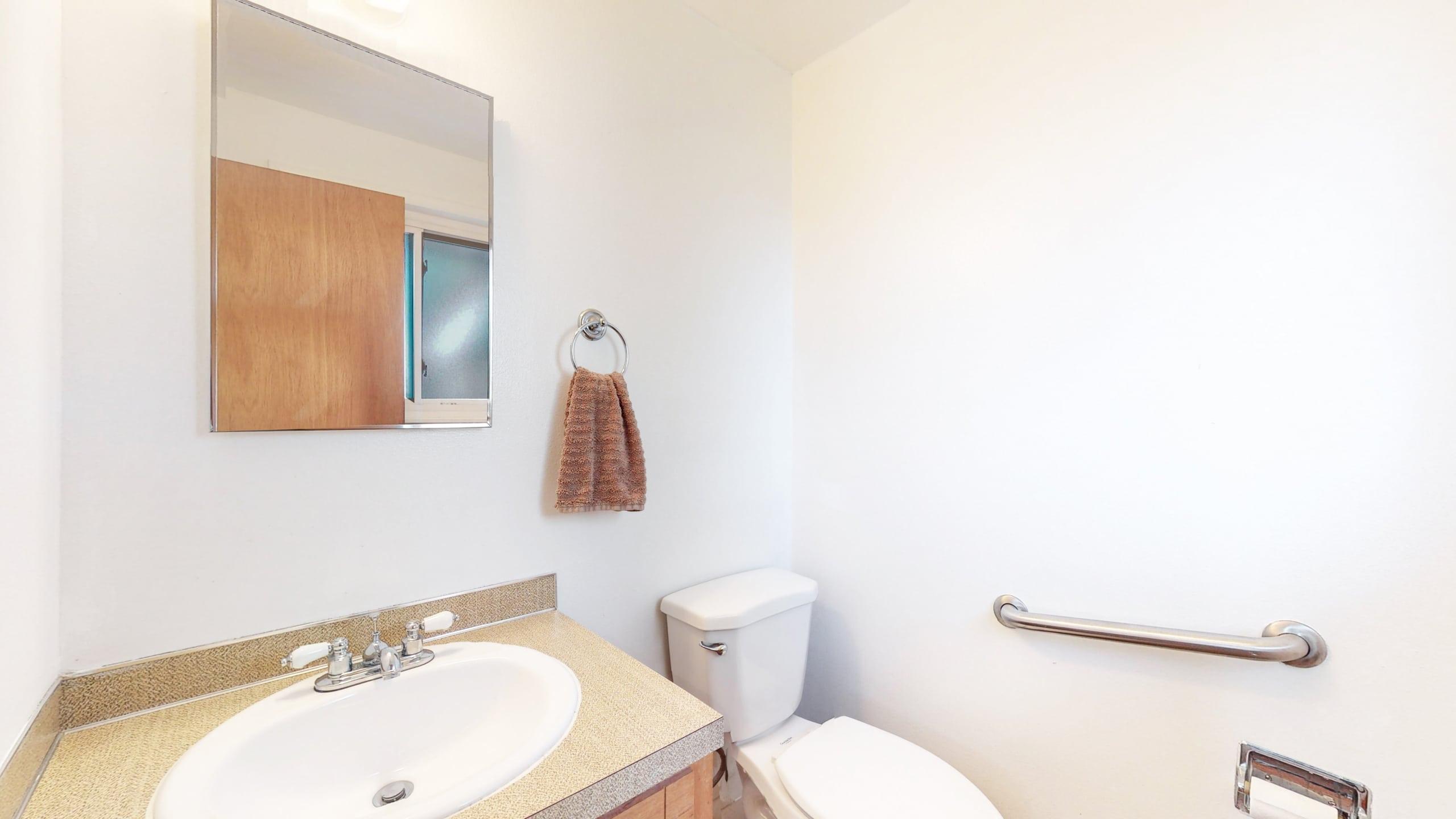 Arvada Home For Sale, Upper Master Bath, Retro, Laminate Counters