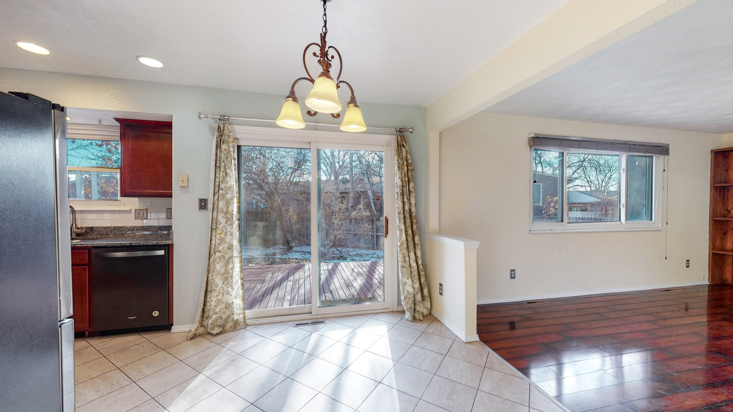 Brighton, CO home, dining room connect to back yard, sliding glass door