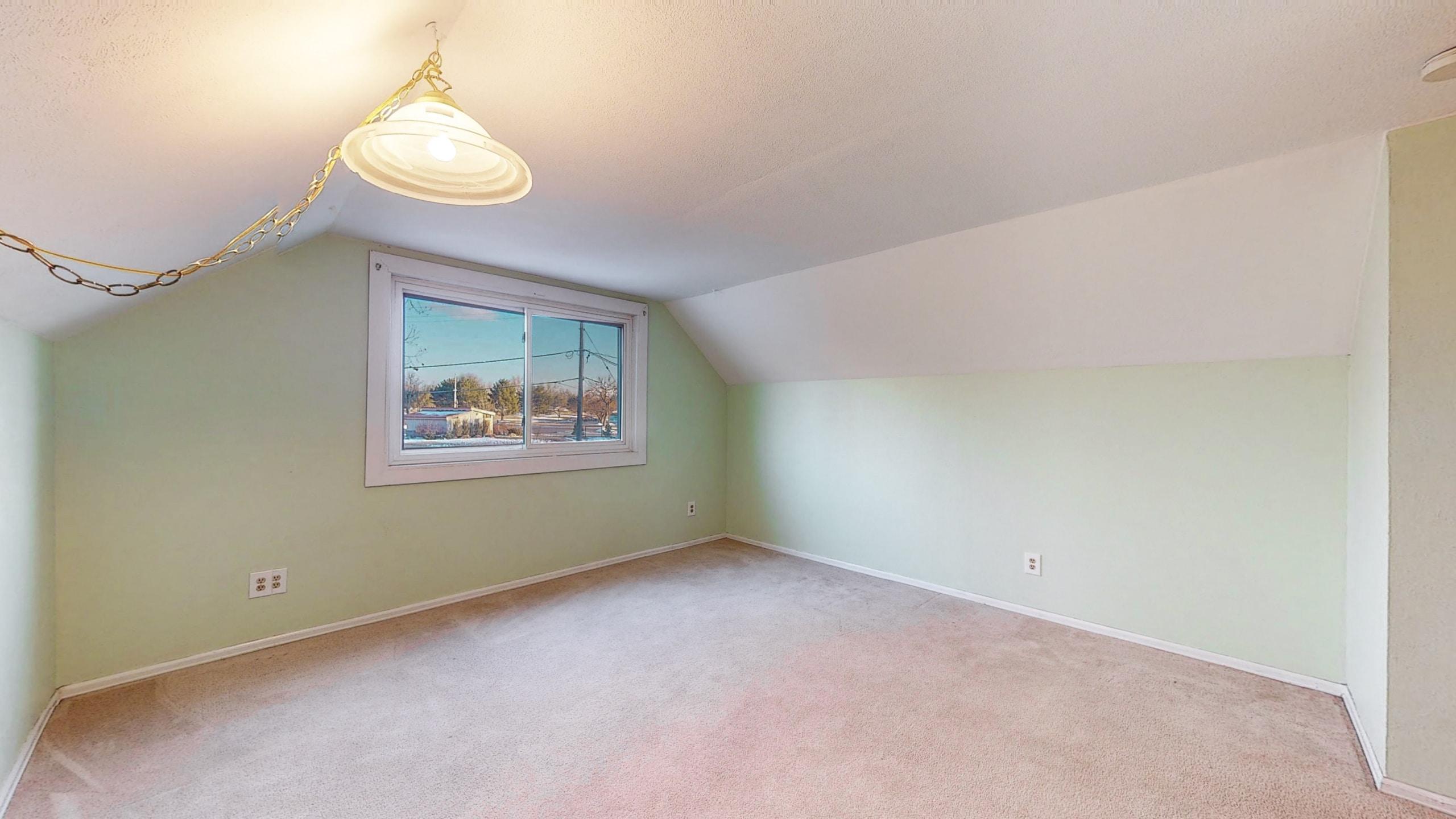Brighton Home For Sale, light green walls, white ceiling, lamp light