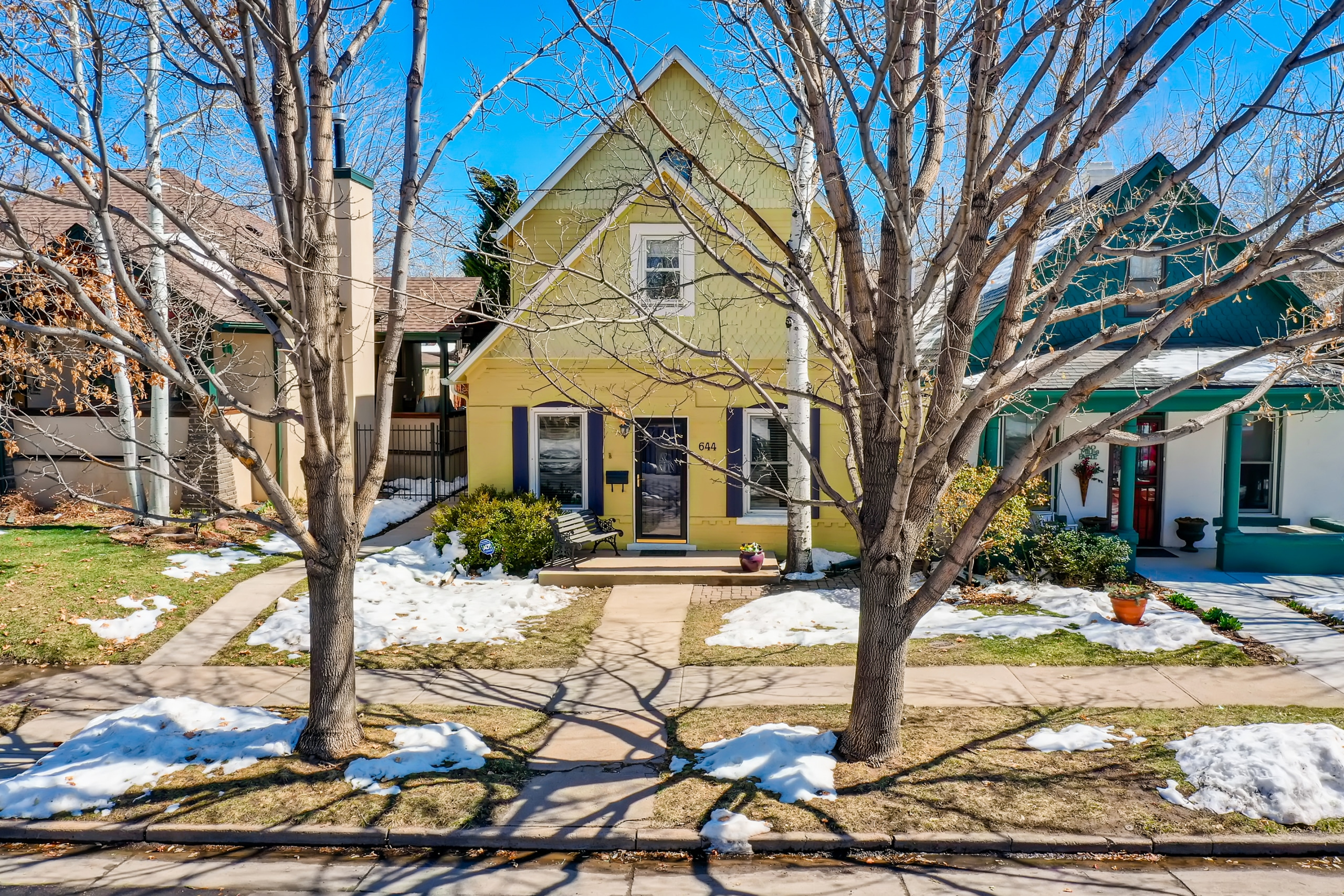 Washington Park Home, 1890 Victorian, Charming, Updated, Vaulted Ceilings