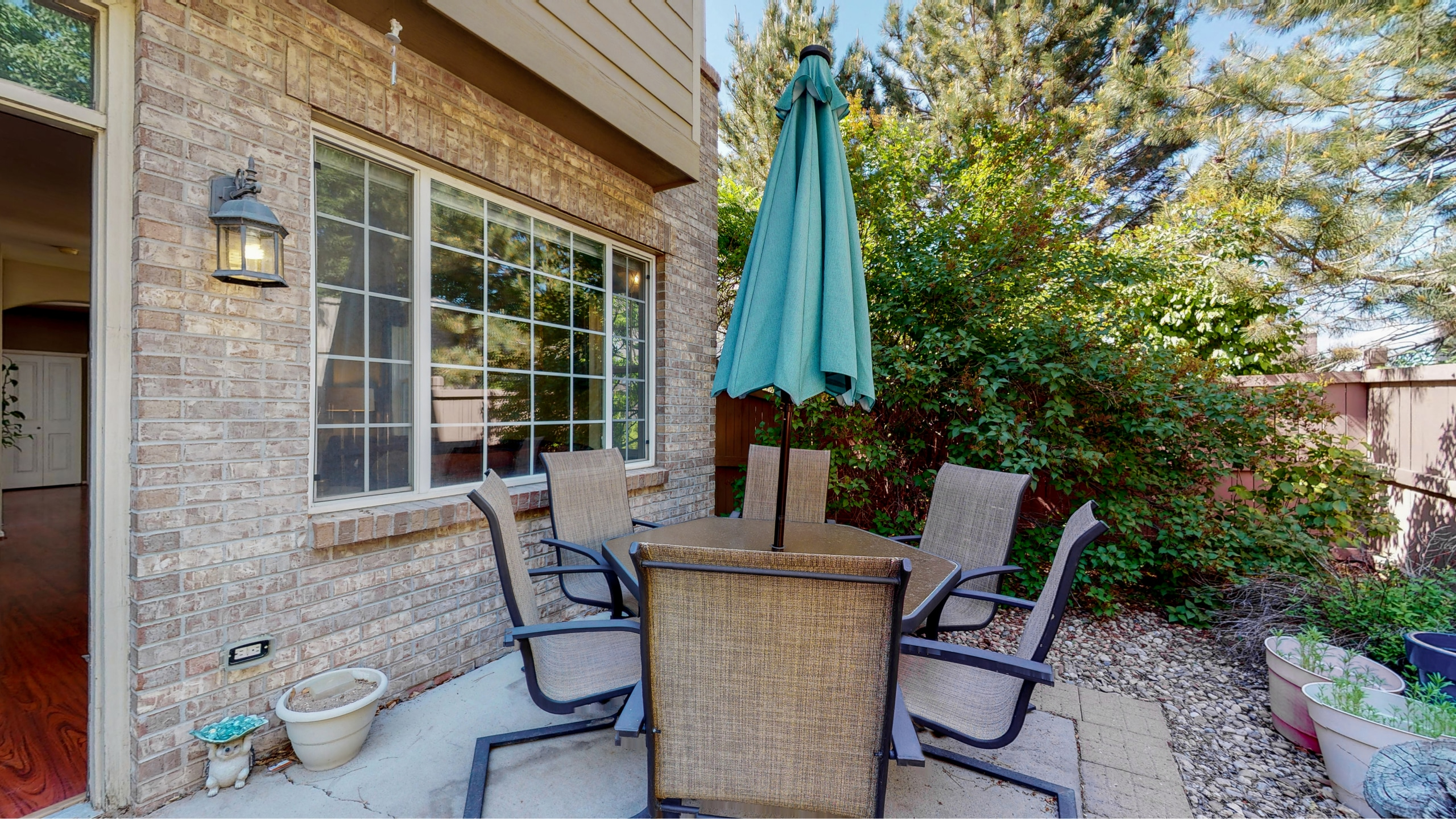 Private Back Patio With Large Table and fully fenced