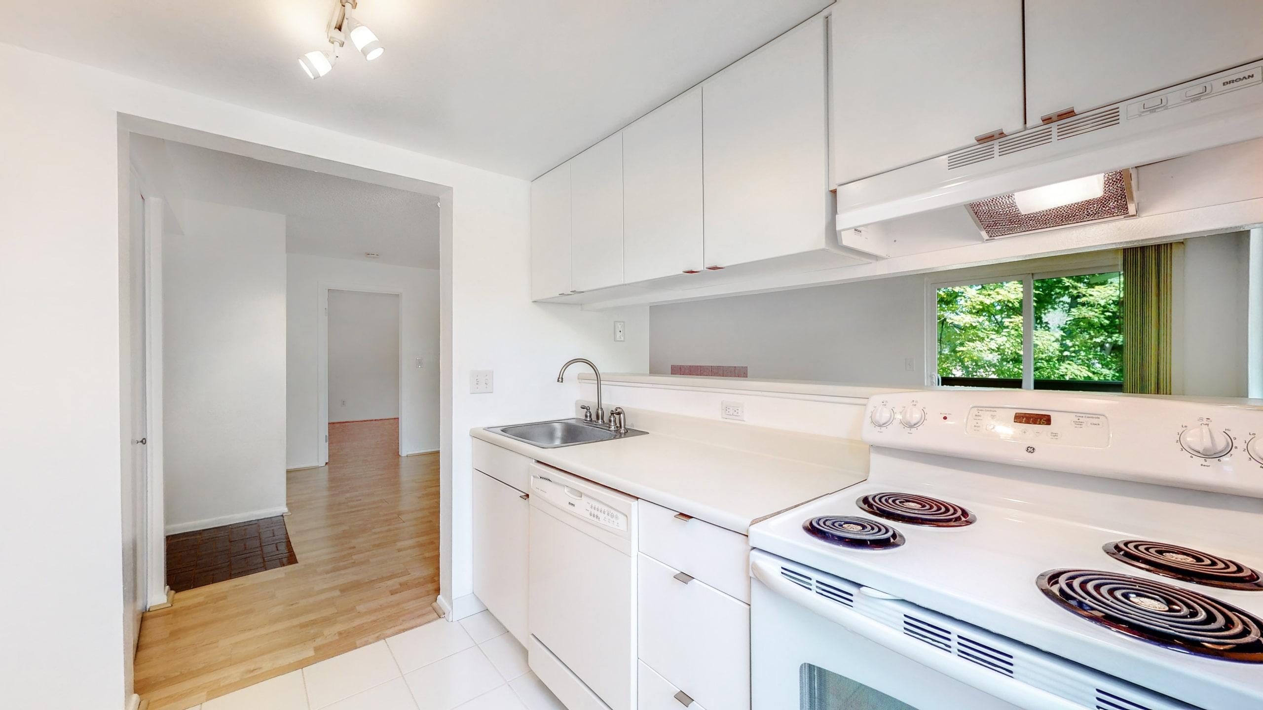 Aurora, CO Condo For Sale at Spinnaker Run II Updated White Kitchen