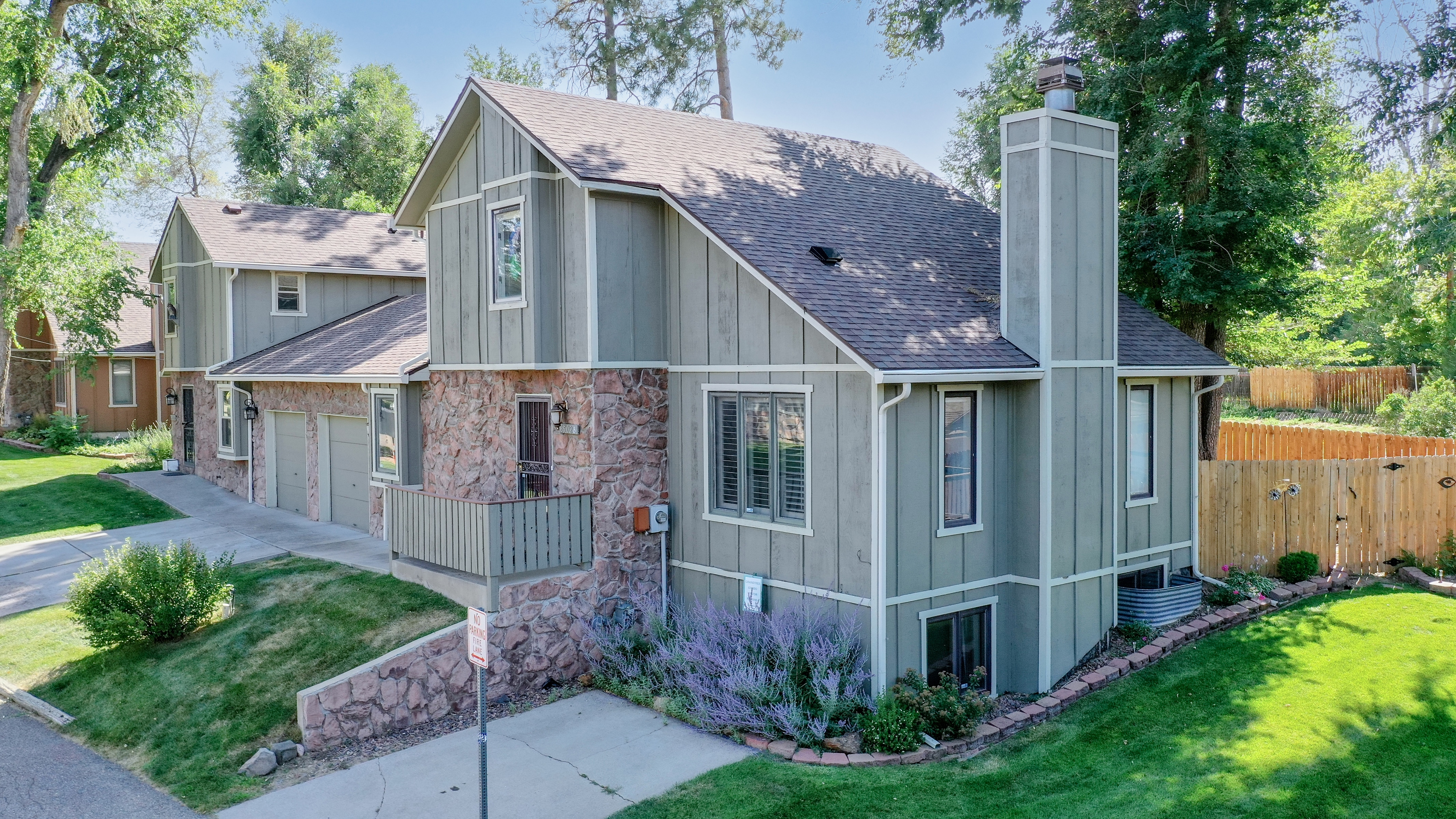 Home for Sale in Arvada, Colorado close to Olde Town Arvada